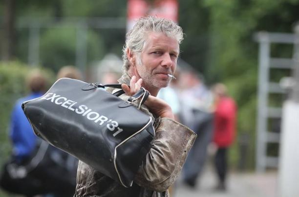 Weekjournaal met reportage afscheidswedstrijd Henk Abbink (Dr. Rock)