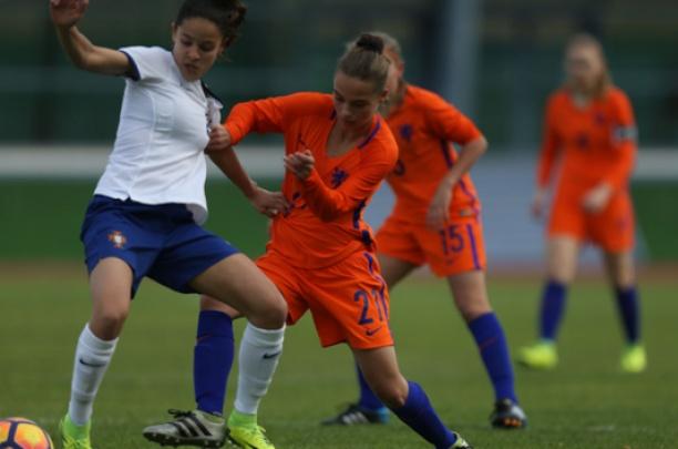 Excelsior'31 JO15/1 speler Naomi Hilhorst met Oranje naar Finland