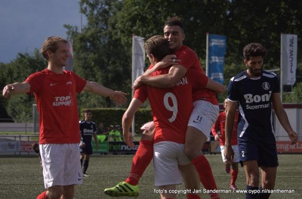 Excelsior'31 1 loot thuiswedstrijd tegen EMOS in KNVB Districtsbeker