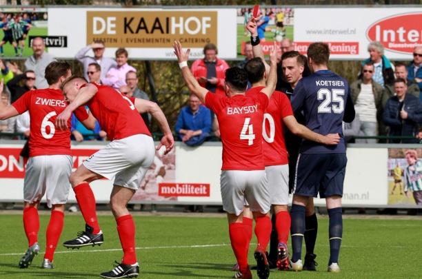 Excelsior'31 ongelukkig (met negen man) onderuit bij SC Genemuiden (2-1)
