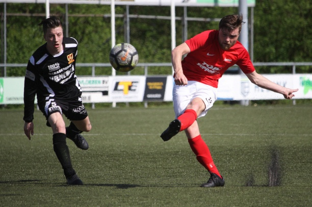 Excelsior'31 laat legio kansen liggen en speelt gelijk tegen CSV Apeldoorn (0-0)