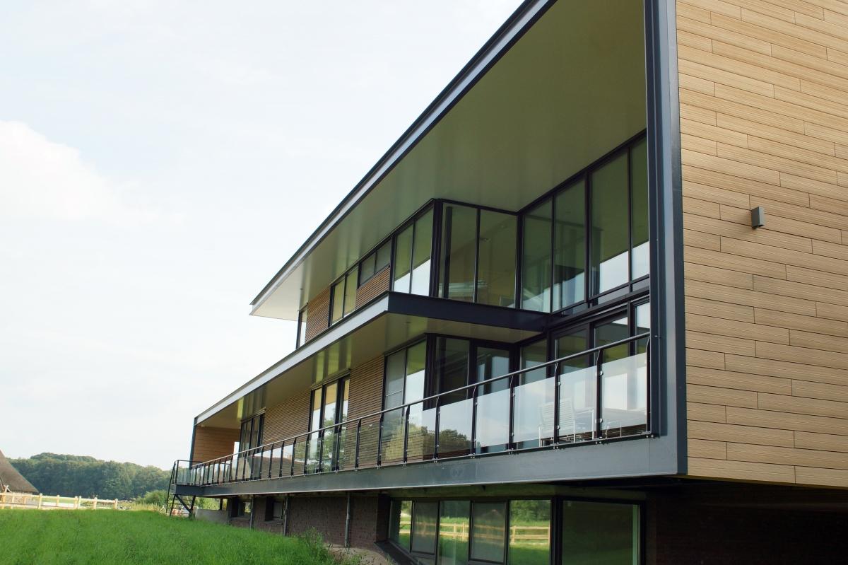 Htb constructie project woningbouw villa te for Staalbouw woningen