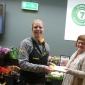 Jumbo Rudy Veldkamp Den Ham doneert zwembadkaarten aan Stichting Manna