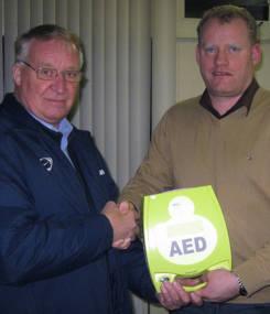 Vriendenkring schenkt AED aan Excelsior´31