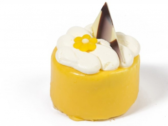 Foto van Glutenvrij Advocaat slagroom schuim gebakje