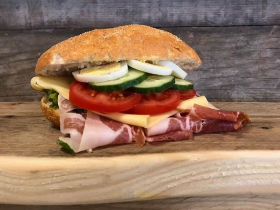 Foto van Ciabatta gezond met Italiaanse ham