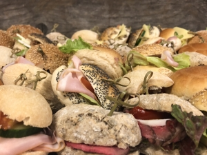 Foto van Diverse mini broodjes