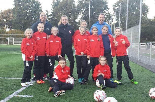 Fc Twente speelster Jill Roord traint MO11-1