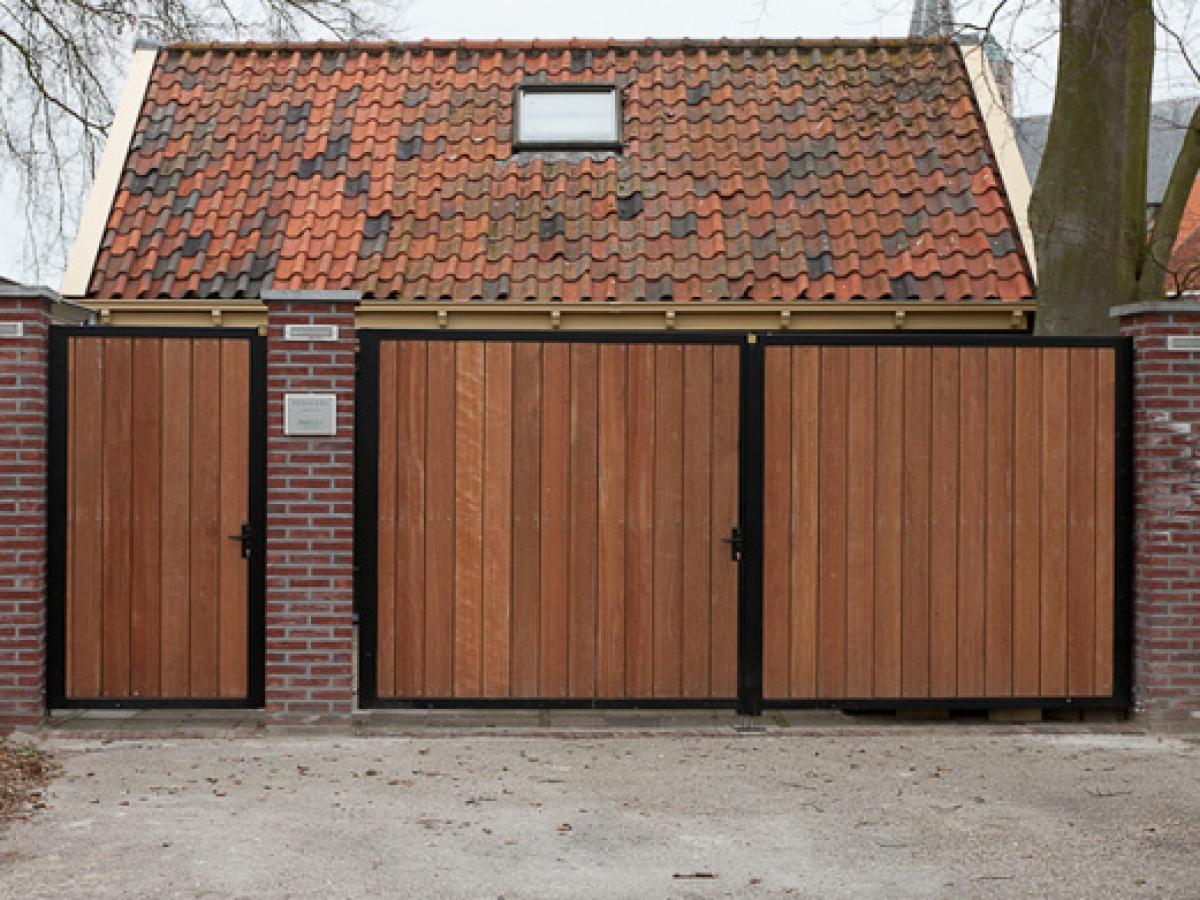 Htb constructie product hekwerken hekken met hout for Spiltrap hout