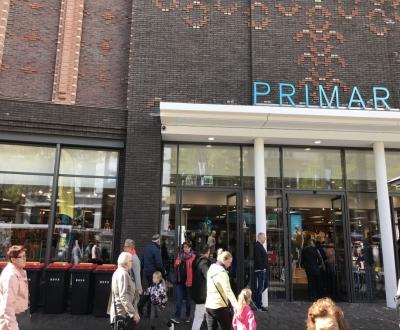 Foto bij Primark winkel