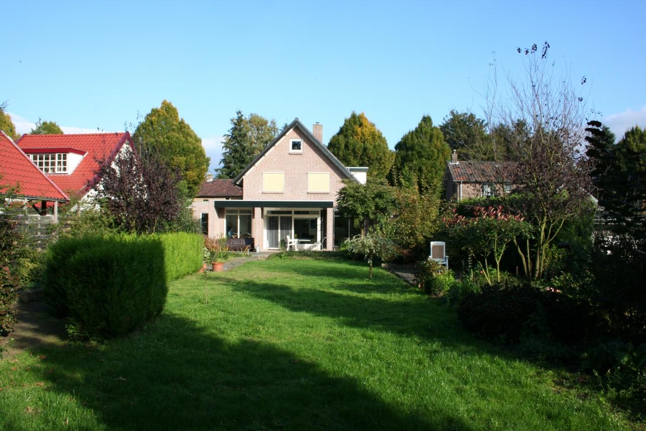 Foto van Sfeervolle tuin vrijstaande woning