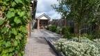 Thumbnail van Tuin met pergola en waterwerkje