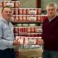 Lionsclub Twenterand overhandigt 707 pakken DE koffie