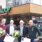 Stichting Manna reikt oorkondes uit aan groentetelers bij de Welkoop Vriezenveen
