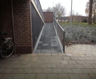 Afbeelding bij Afdichting wandeldek + bordessen VvE Westrak Harderwijk
