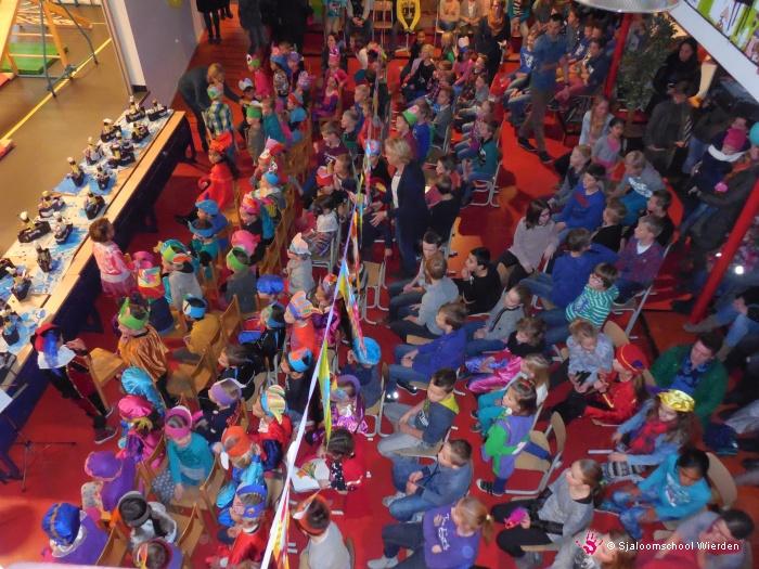 Vergroot de foto Sinterklaas op de Sjaloomschool