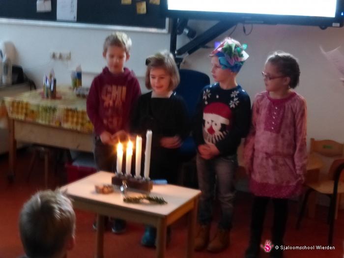 Vergroot de foto Kerstfeest groep 1 en 2