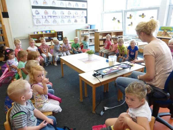 Foto bij bakken in de klas!